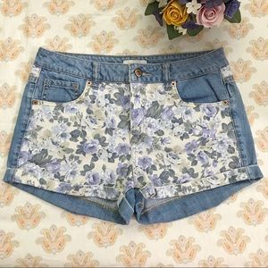F21 floral contrast denim shorts